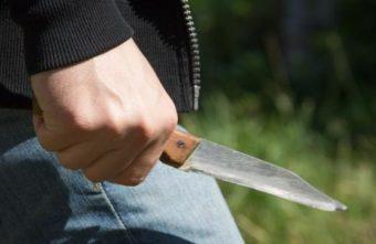 Пьяный рецидивист напал с ножом на велосипедиста в Тверской области
