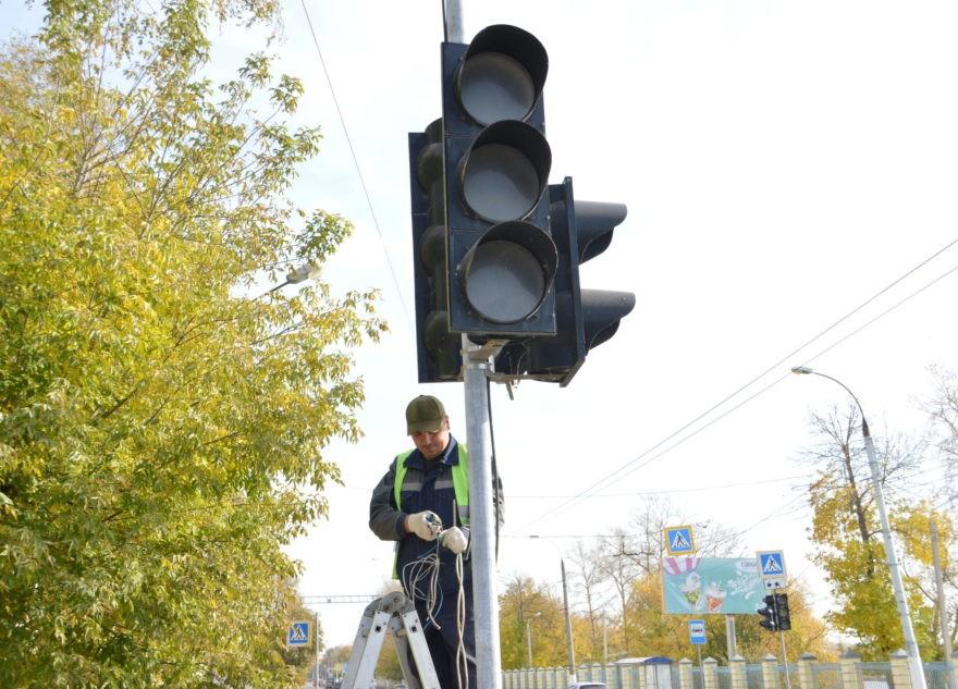 Хотели, как лучше: власти Твери пообещали отрегулировать новый светофор