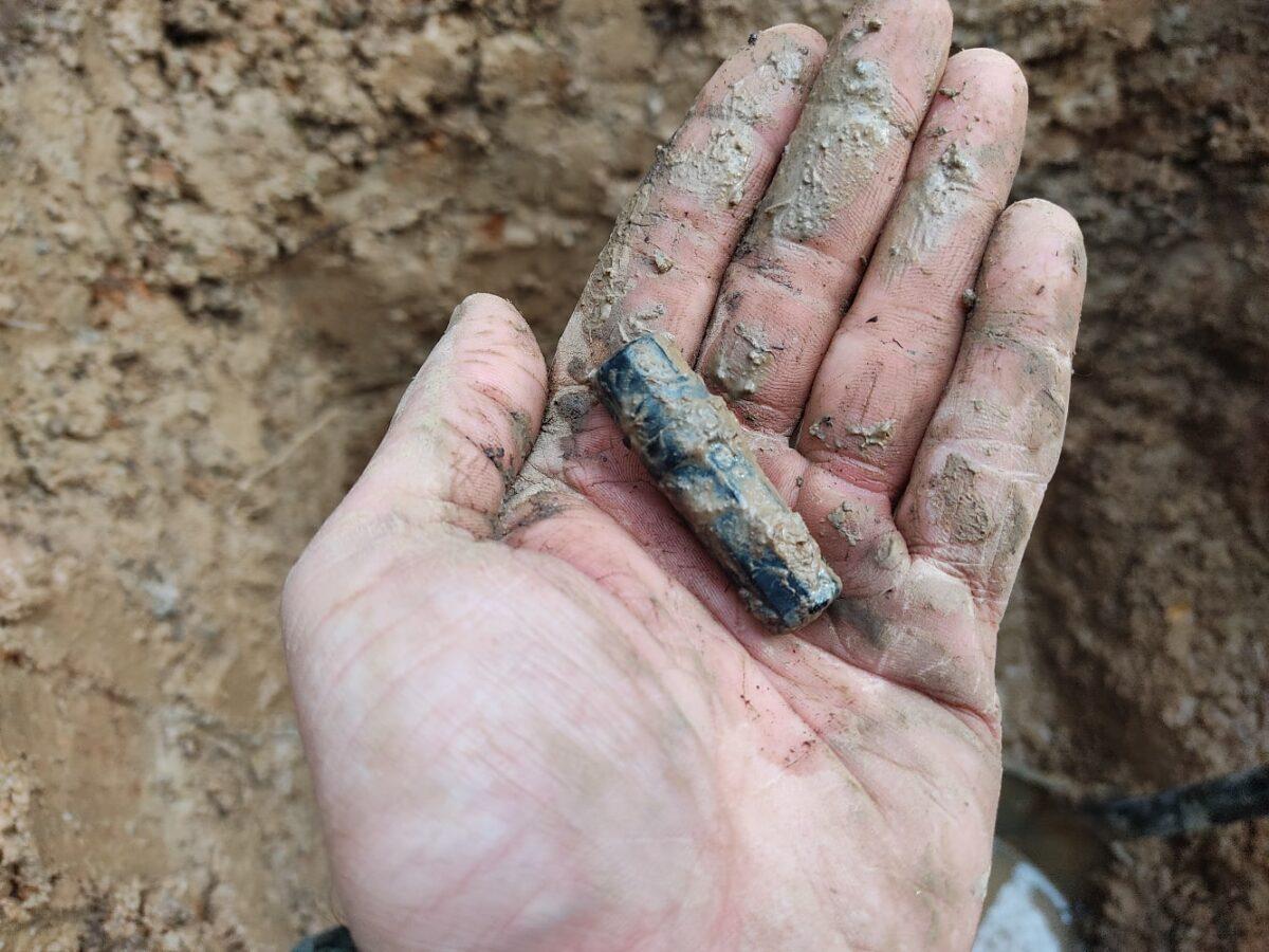 Несколько карандашных строк помогли узнать имя солдата, погибшего в Тверской области