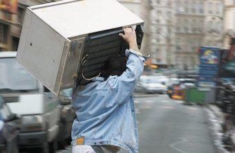 Под Тверью мужчина обчистил дома почти на 2,5 миллиона рублей