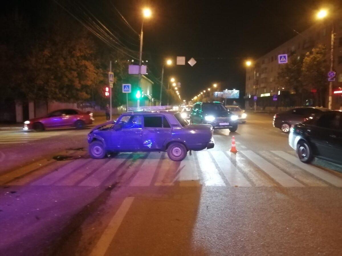 Появились фото и подробности ДТП на улице Горького в Твери