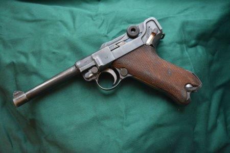 """Жители Твери продали парабеллум и винтовку участнику операции """"Проверочная закупка"""""""