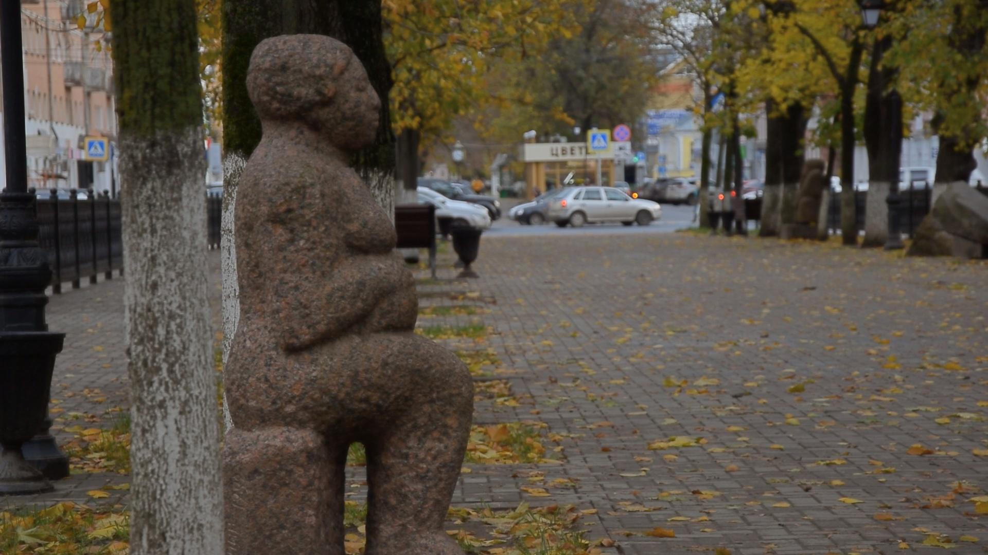 Жителям Твери раскрыли тайну необычных гранитных скульптур