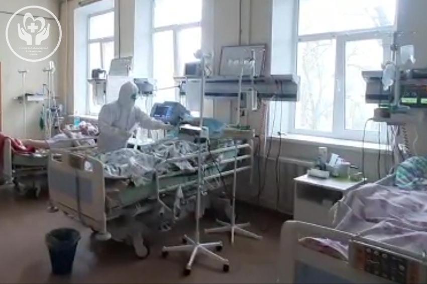 Больше 400 коек развернули в течение полутора суток в инфекционном госпитале ГКБ №6 в Твери