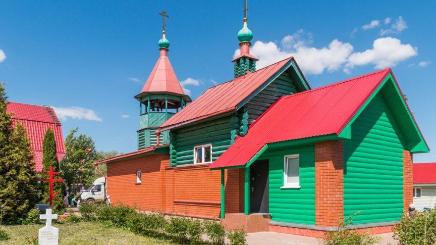 В Твери митрополит Амвросий отслужит панихиду на могилах расстрелянных граждан