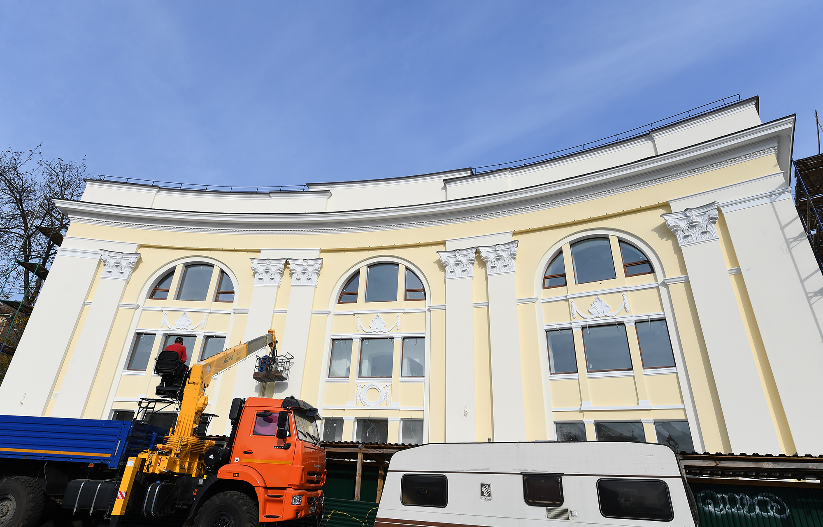 В Твери завершают ремонт фасада нового ЗАГСа