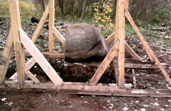 В Твери подняли несколько памятников, которые весят более 3,5 тонн