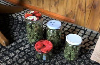 В Тверской области рецидивист закатывал марихуану в банки