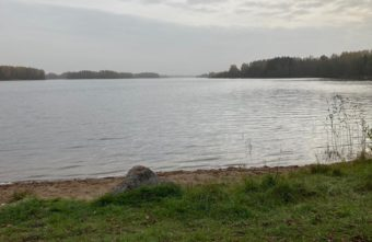 Из озера в Тверской области достали тело мужчины