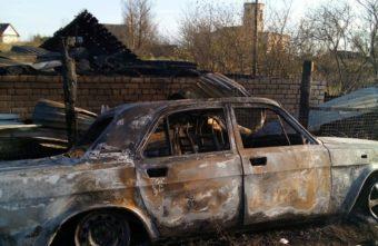 Дом и два автомобиля сгорели дотла в Тверской области