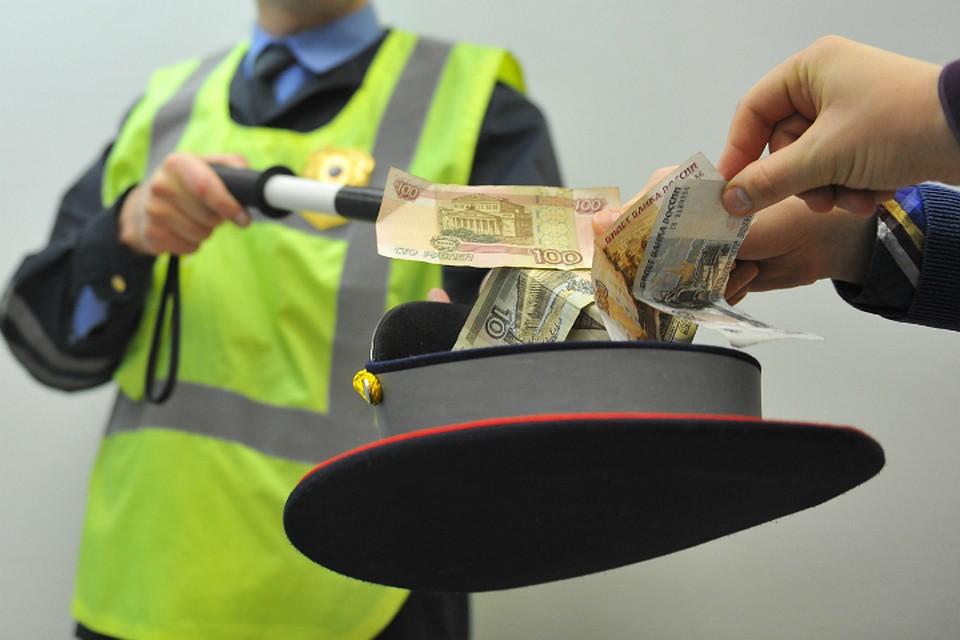 В Тверской области сотрудники ДПС попались на взятках