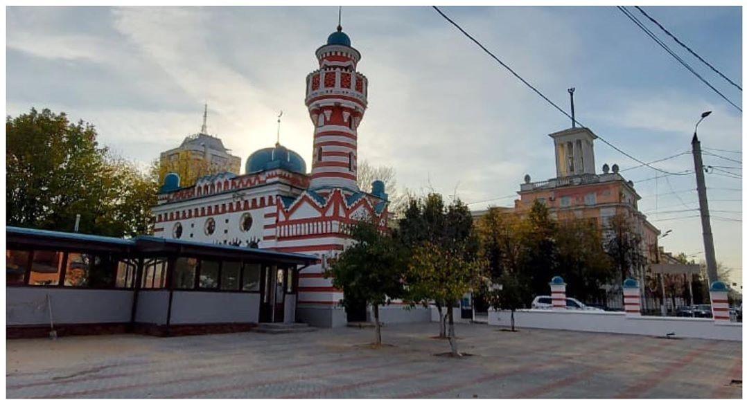 На деньги фонда Кадырова в Твери отреставрировали старинную мечеть