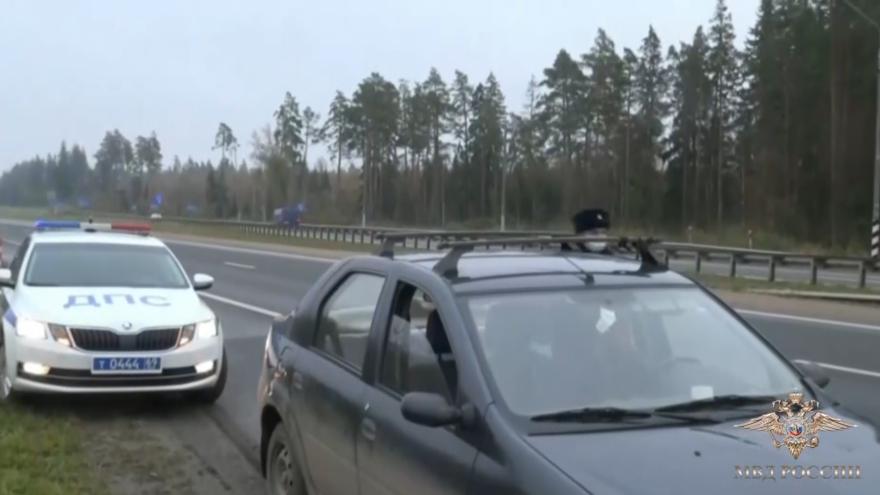 Жительница Твери обокрала пенсионерку на 300 тысяч рублей и попалась на трассе