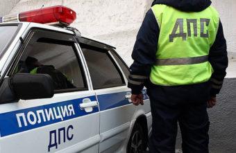 На трассе в Тверской области фура сломала ногу пешеходу