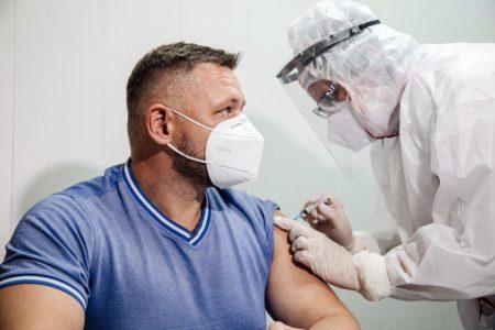 Жители Тверской области могут узнать, насколько опасны прививки от коронавируса