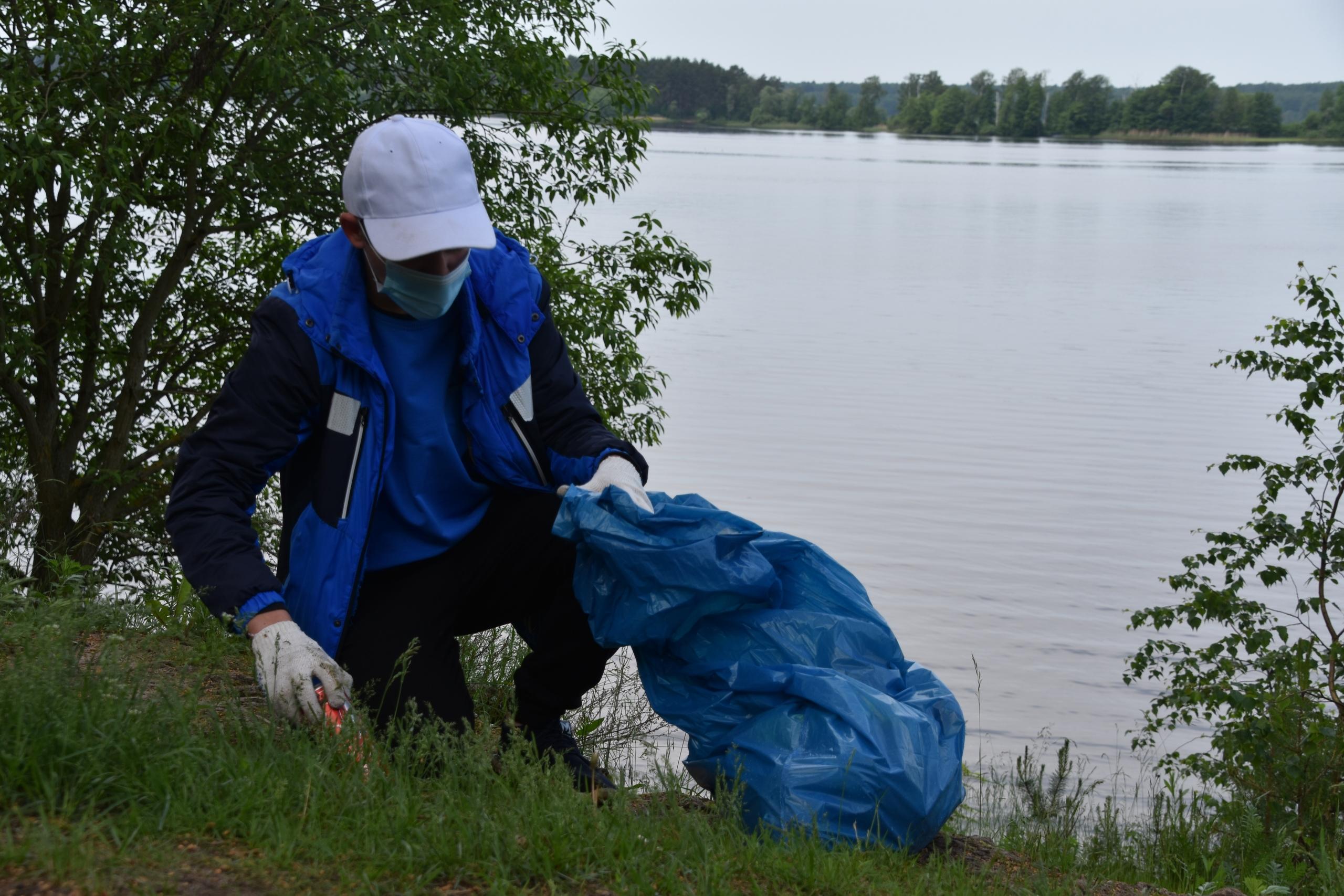 140 километров берегов в Тверской области очистили от мусора