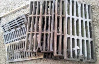 144 чугунные решетки украла женщина в Тверской области