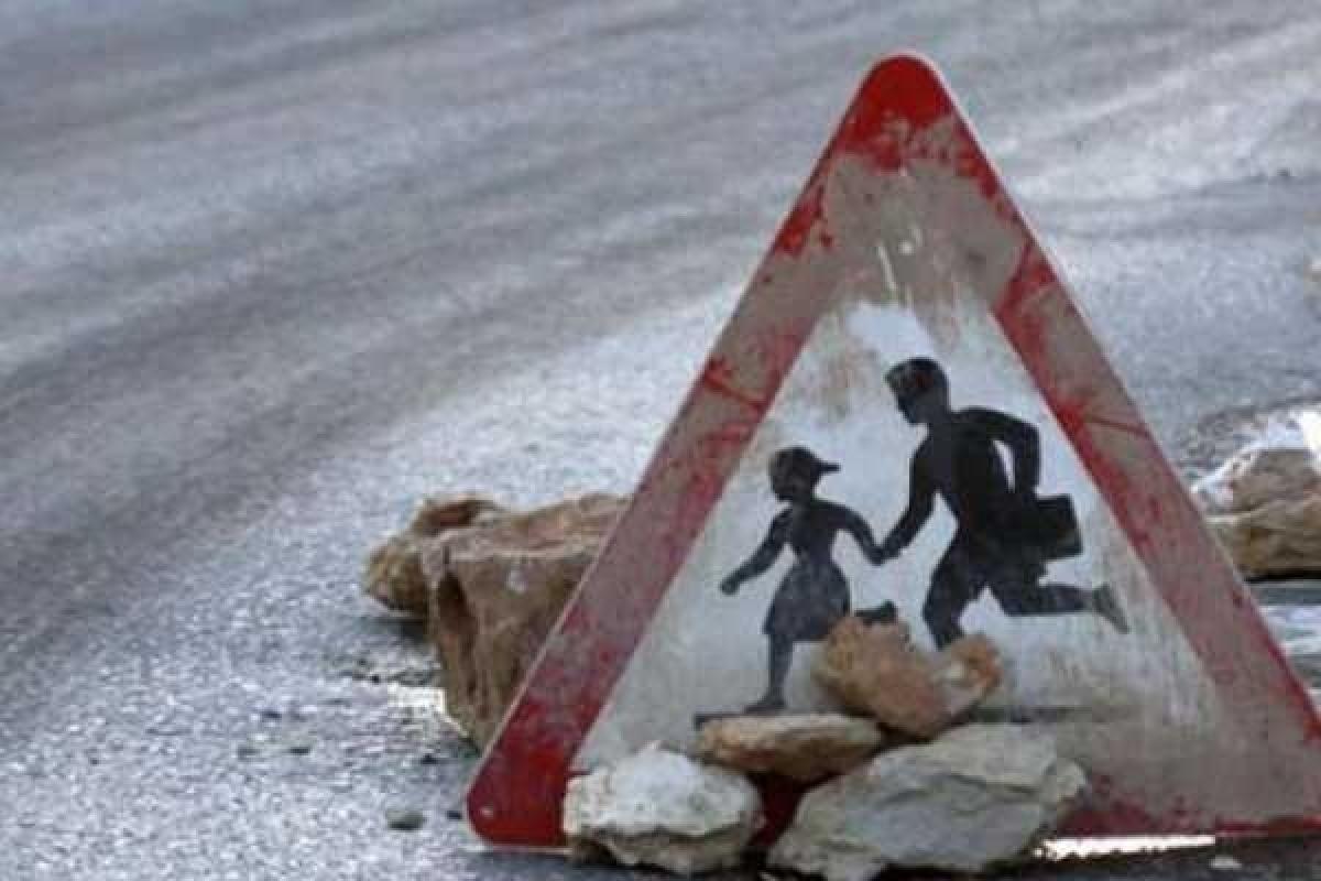 В Тверской области под колёса «Рено Дастера» попали две девочки