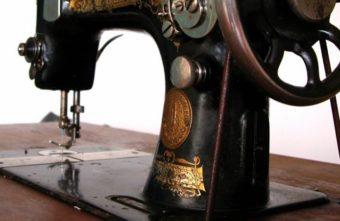 В Тверской области похититель украл из общежития швейные машинки
