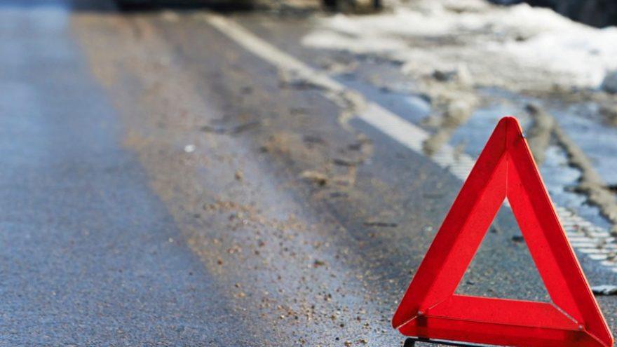 Женщина-водитель сломала позвоночник, улетев в кювет в Тверской области