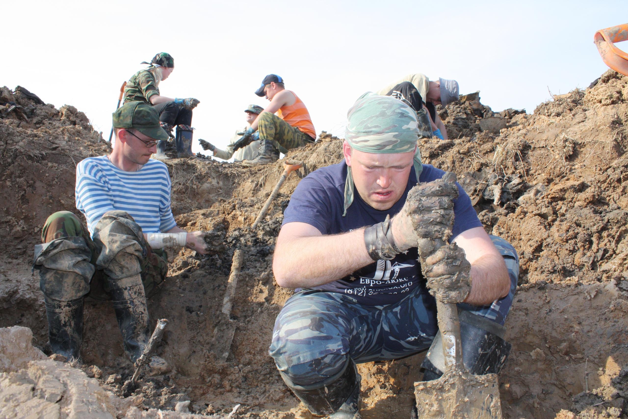 Спустя 17 лет поисковики отыскали дочь солдата, погибшего под Зубцовом