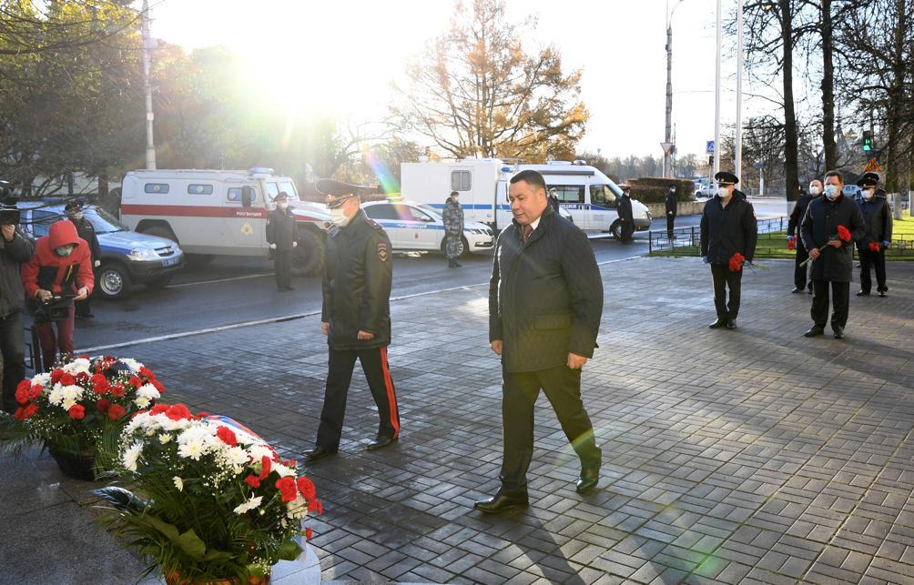 В Тверской области почтили память сотрудников органов внутренних дел