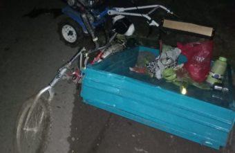 В Тверской области женщина выпала из стоящего прицепа и сломала ногу