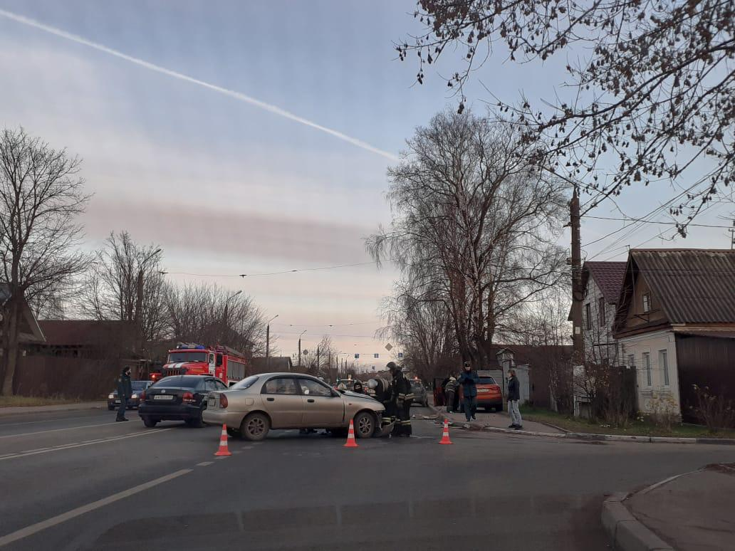 Шестилетний мальчик пострадал в столкновении двух иномарок в Твери