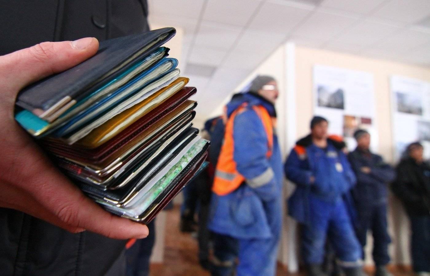 В Тверской области три человека незаконно зарегистрировали почти 300 иностранцев