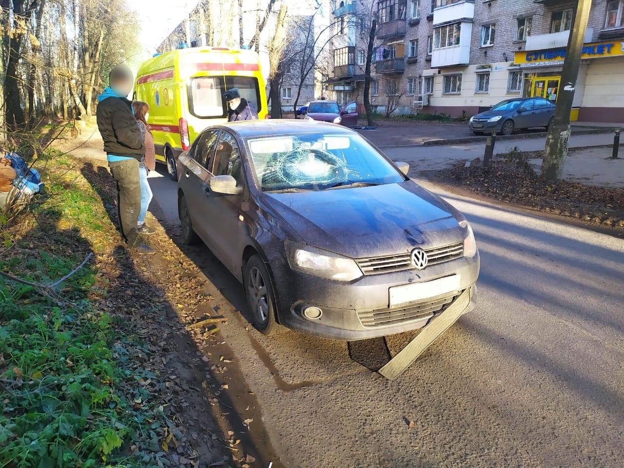 """""""Фольксваген"""" сбил 84-летнего пешехода в Твери"""