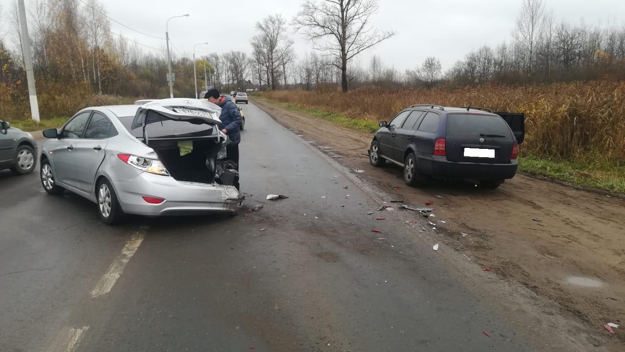 Skoda влетела в Hyundai в Твери, пострадала 75-летняя женщина