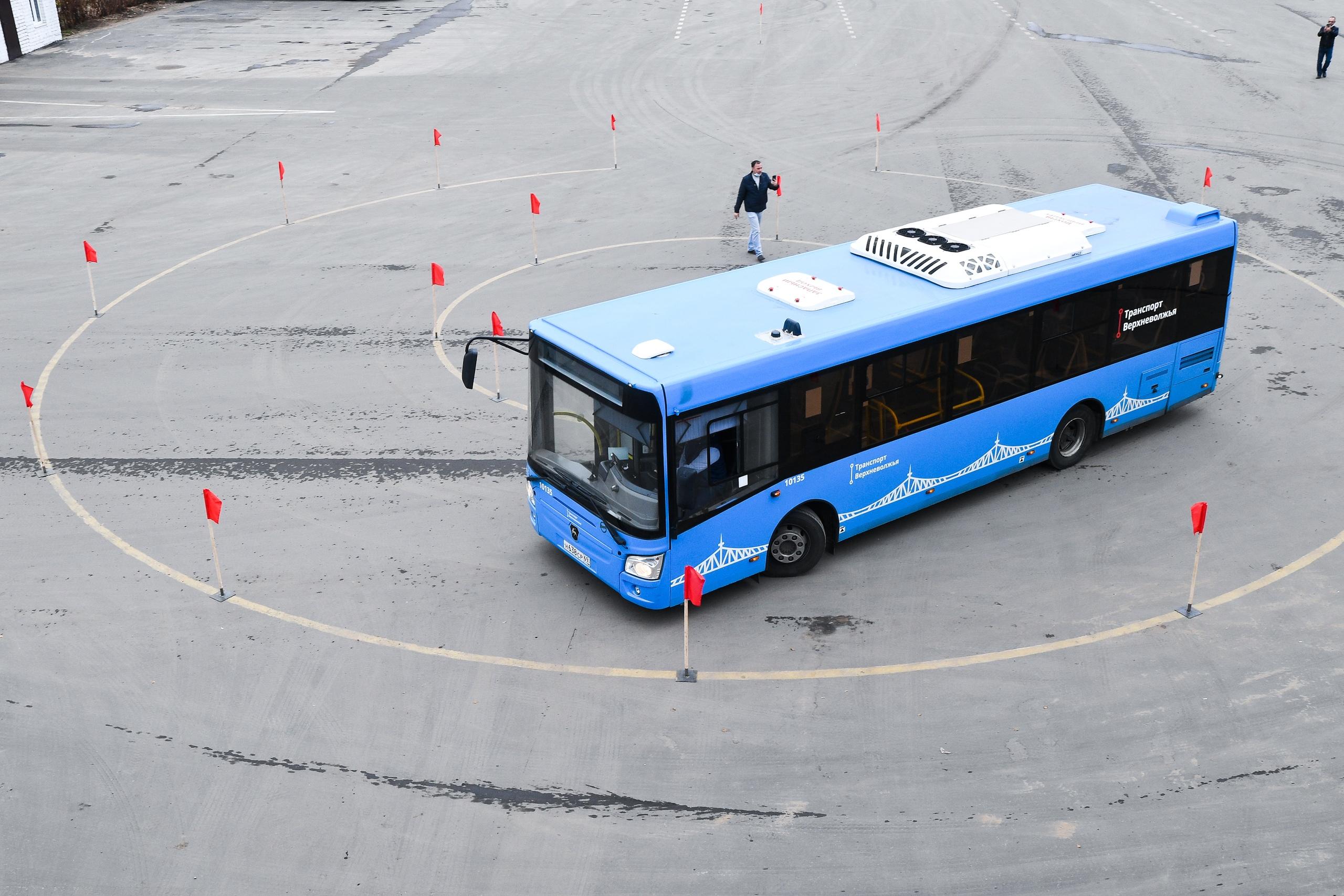 Названы имена лучших водителей тверских автобусов