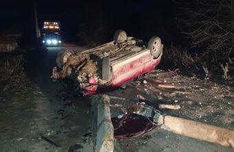 Пьяный водитель врезался в столб на трассе в Тверской области