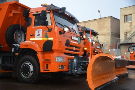 Чистить дороги от снега в Твери будет новая техника
