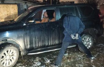 Серийных угонщиков задержали в Твери при попытке перегона ворованного внедорожника