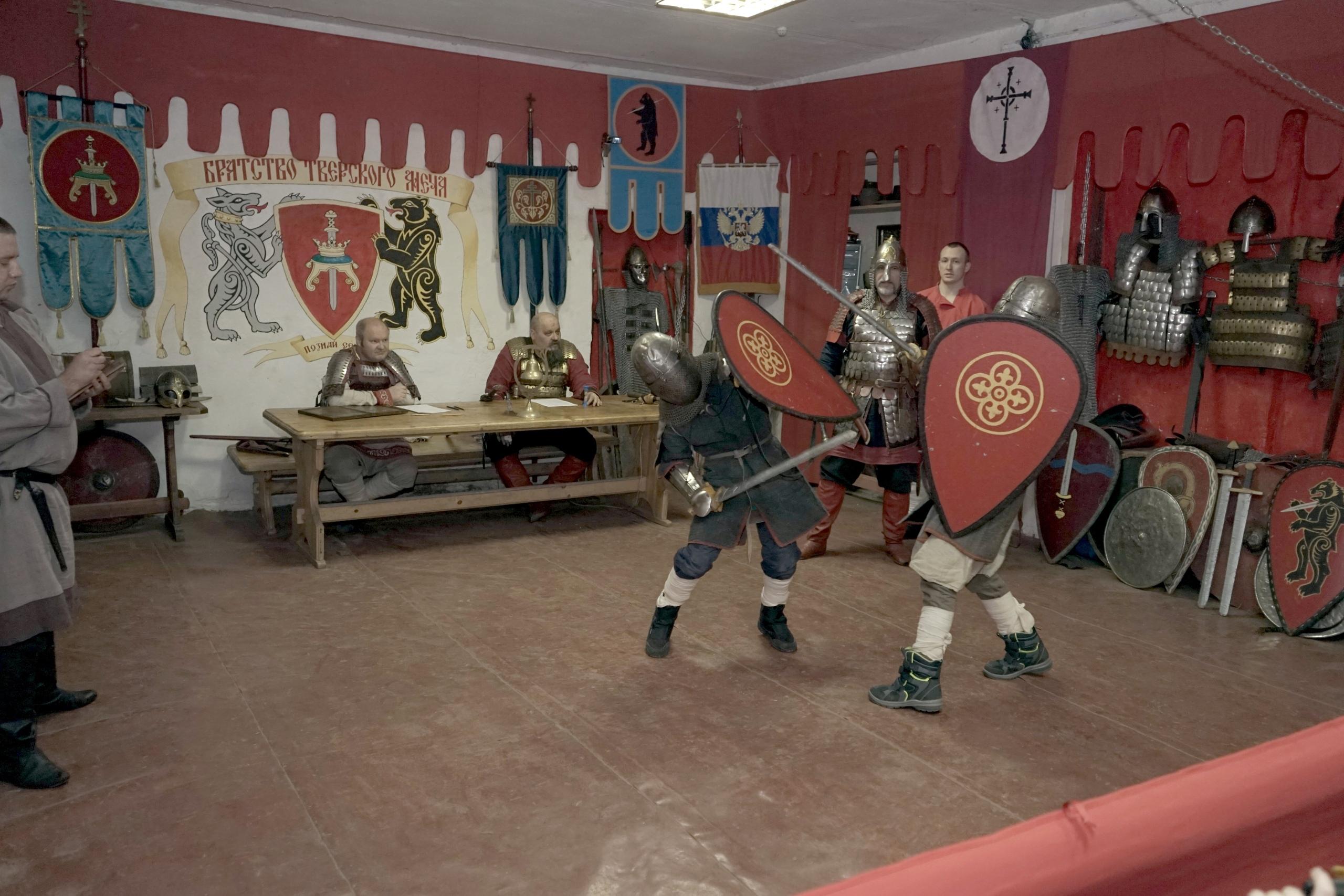 В Твери состоялся бой на мечах, посвященный дню памяти князя Михаила Тверского