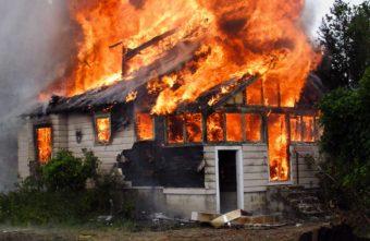 Житель Тверской области поджёг тёщин ковер и спалил дом