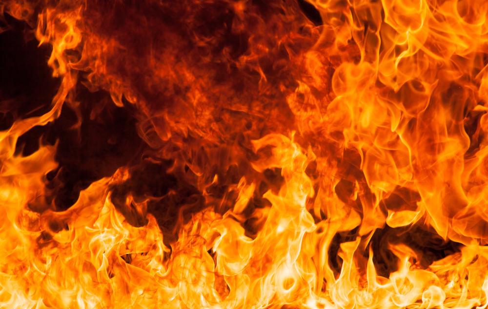 Труп мужчины нашли в сгоревшей квартире в Тверской области