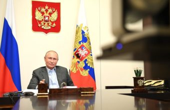 На встрече с волонтёром Владимир Путин отметил красоту Тверской области