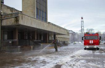 Бороться с коронавирусом спасателям Тверской области помогает специальный раствор
