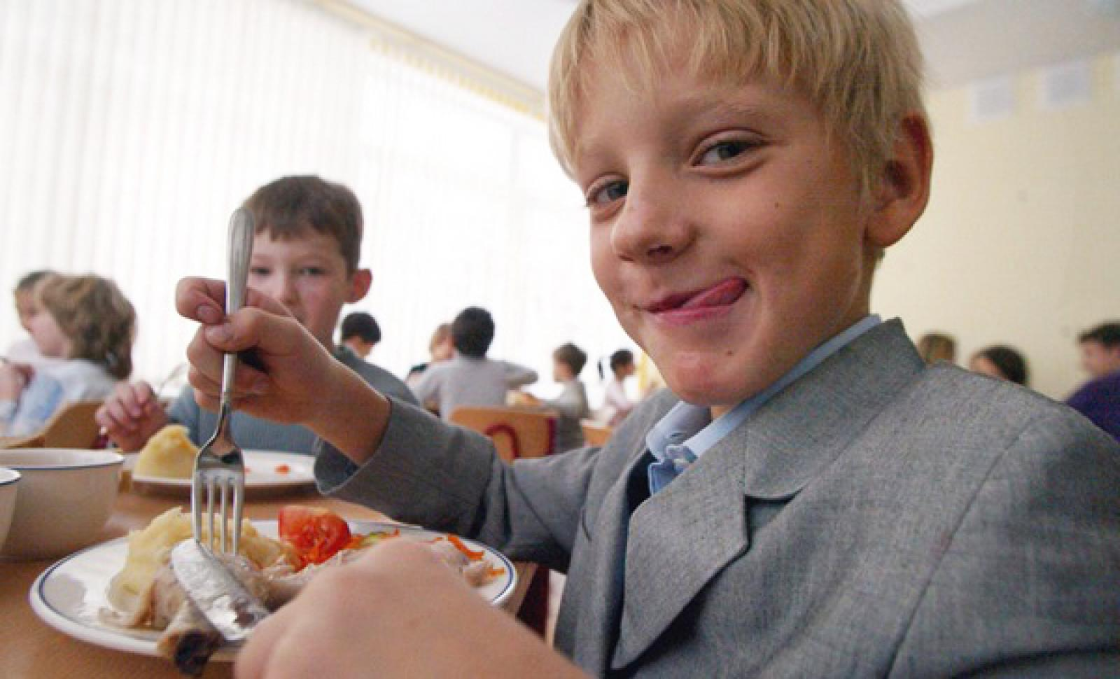В Твери выбирают лучшую школьную столовую