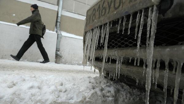 Гололед и ледяной дождь: жителей Тверской области призвали к осторожности