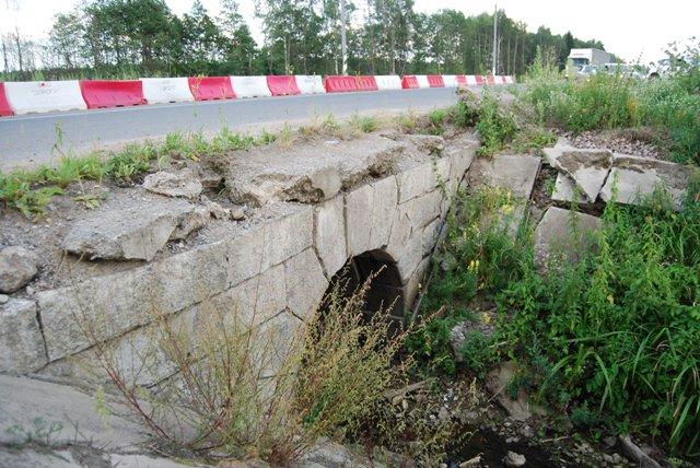 Старинные шоссейные мосты в Тверской области можно найти по указателям