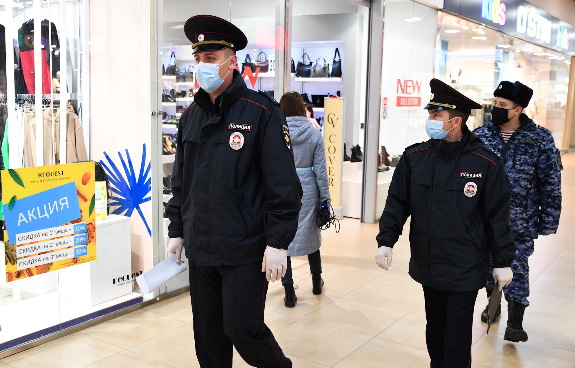 Жители Тверской области пошли под суд за отсутствие масок в магазинах