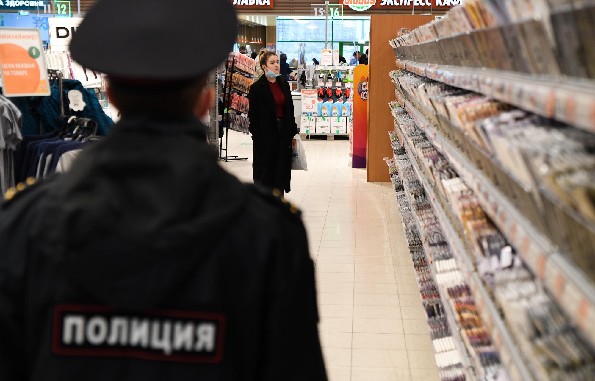 В Тверской области продавца оштрафовали за то, что снял маску
