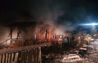Гибелью мужчины и женщины на пожаре в Тверской области занялись следователи