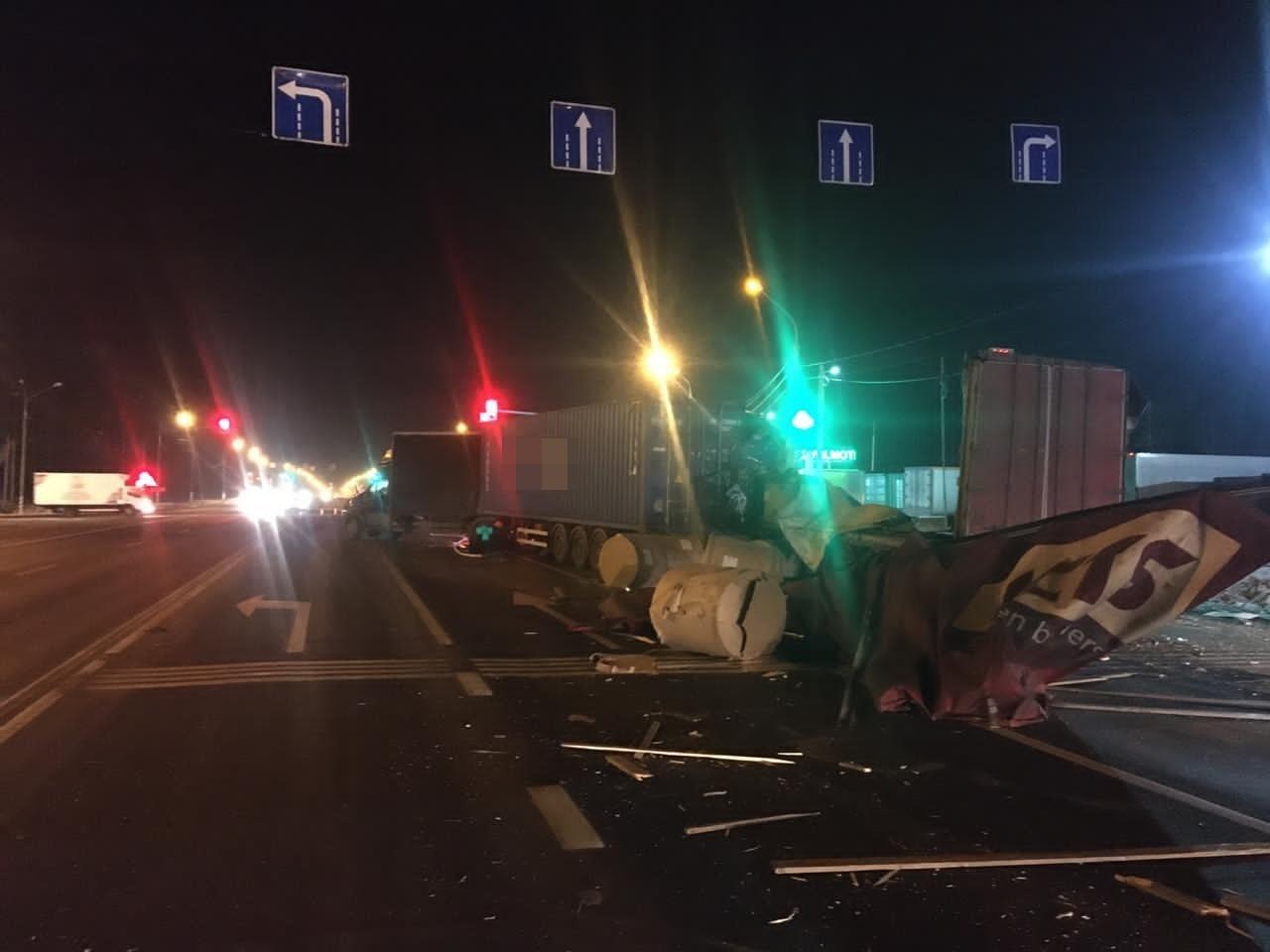 Водитель фуры погиб в аварии на М-10 в Тверской области