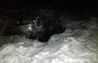 В Тверской области водитель иномарки съехал в кювет и перевернулся