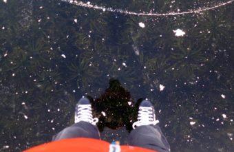 Тверские экстремалы испытали лед на карьерах и сняли подводный мир