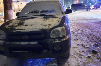 Вечером в Твери столкнулись две иномарки, пострадала молодая девушка